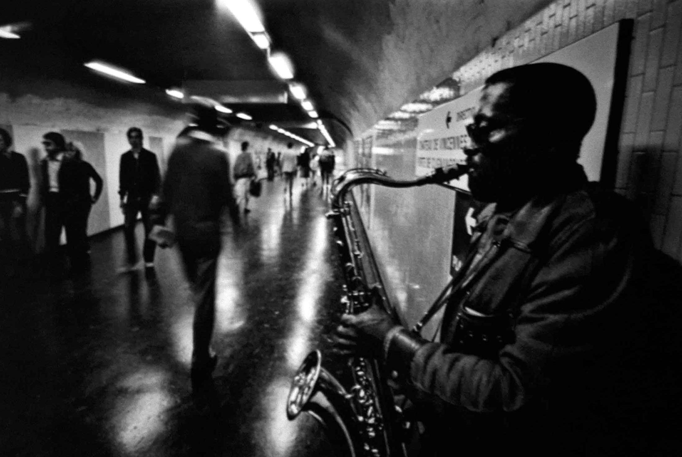 """Fotorevue 199 – Jiří Hanke  """"PARIS-NEW YORK-HOUSTON """""""