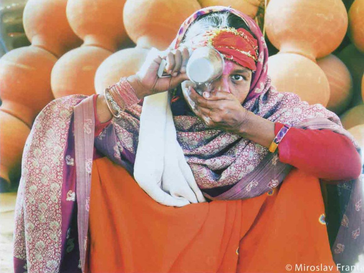 Fotorevue 281 – Hledání Indie