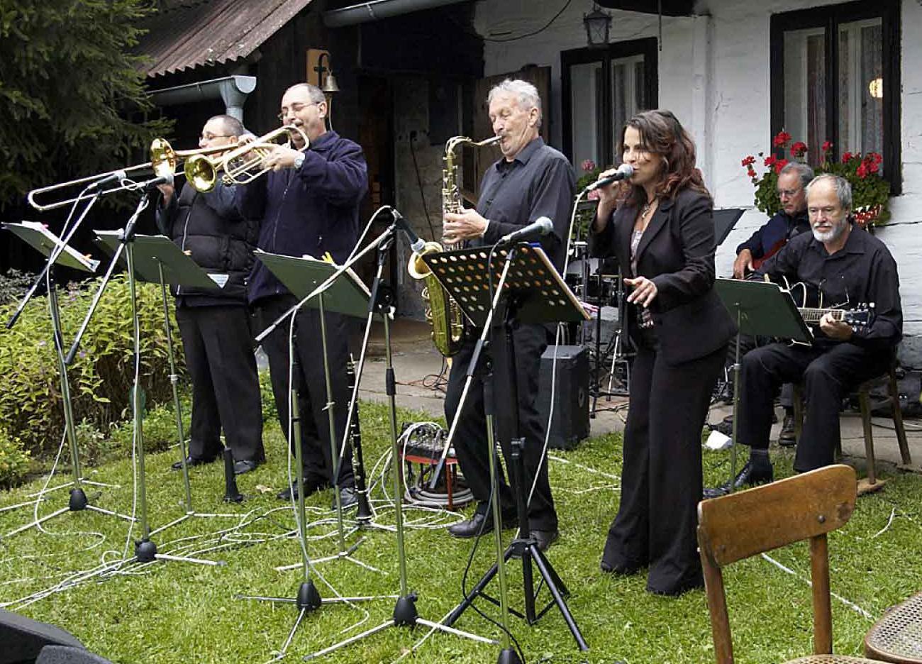 Fotorevue 157 – 6. Pěčínský swingový festival – 5.9.2009